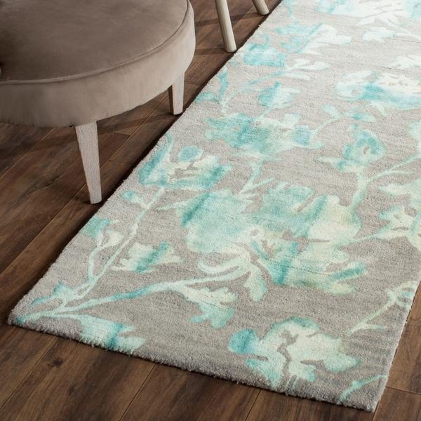 Safavieh Handmade Dip Dye Watercolor Vintage Grey/ Turquoise Wool Rug - 2'3 x 12'