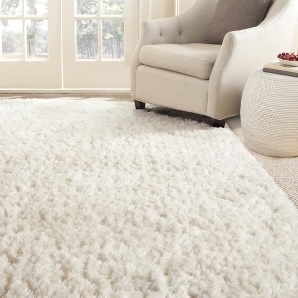 Safavieh Handmade Arctic White Polyester Rug 8 X27