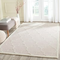Safavieh Hand-Tufted Cambridge Light Pink/ Ivory Wool Rug - 10' x 14'