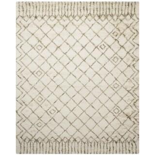 Safavieh Handmade Casablanca Shag Santina Tribal Wool Rug (9 x 12 - Ivory/Green)