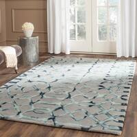 Safavieh Handmade Dip Dye Watercolor Vintage Grey/ Charcoal Wool Rug - 5' x 8'