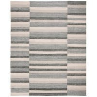 Safavieh Hand-Woven Striped Kilim Grey Rug - 8' x 10'