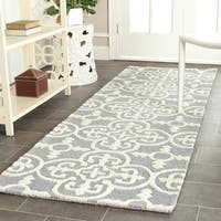 Safavieh Hand-Tufted Cambridge Silver/ Ivory Wool Rug - 2'6 x 20'