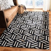 Safavieh Handmade Studio Leather 200 Modern Ivory/ Black Rug - 5' x 8'