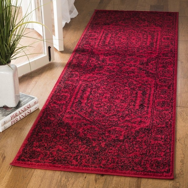 Safavieh Adirondack Vintage Red/ Black Runner Rug
