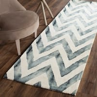 "Safavieh Handmade Dip Dye Watercolor Vintage Ivory/ Grey Wool Rug - 2'3"" x 8'"