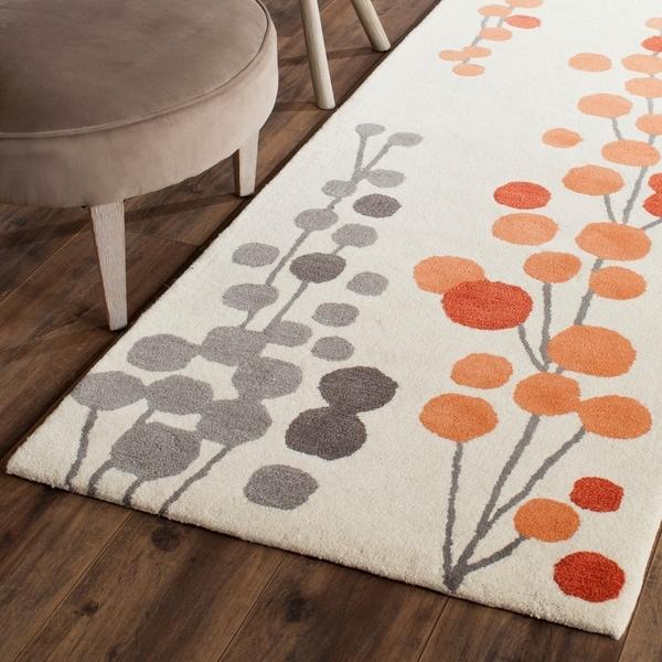 Safavieh Hand-Tufted Soho Beige/ Orange Wool/ Viscose Rug - 2'6 x 8'