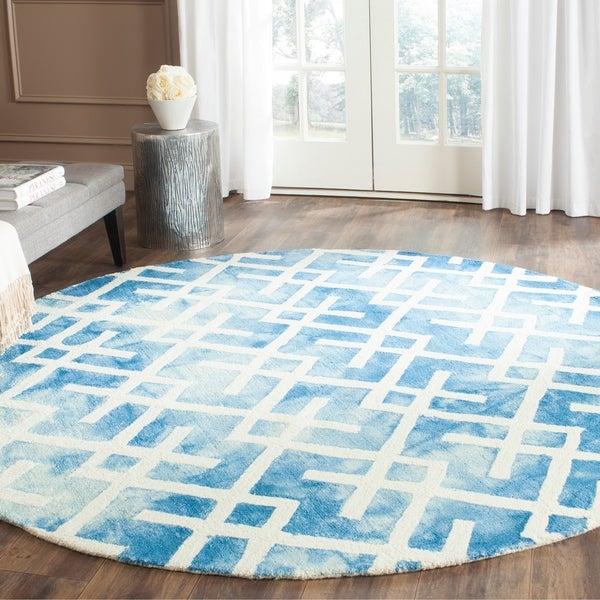 Safavieh Handmade Dip Dye Watercolor Vintage Blue/ Ivory Wool Rug - 7' Round