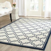 Safavieh Indoor/ Outdoor Amherst Ivory/ Navy Rug - 6' x 9'