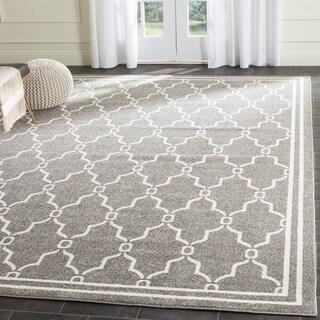 Safavieh Indoor/ Outdoor Amherst Dark Grey/ Beige Rug (5' Square)