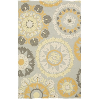 Hand-Hooked Lydney Medallion Indoor/ Outdoor Area Rug (5 x 76 - Beige/Gold)