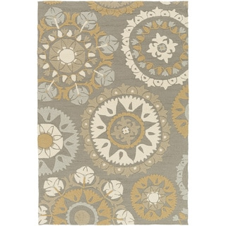 Hand-Hooked Lydney Medallion Indoor/ Outdoor Area Rug (5 x 76 - Taupe)