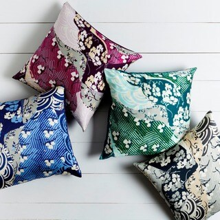 Decorative Lee 18-inch Poly or Down Filled Throw Pillow (Options: Purple, Down)