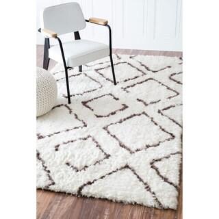 nuLOOM Soft and Plush Moroccan Trellis Ivory Brown Shag Rug (8' x 10')