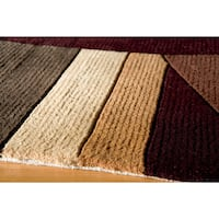 "Momeni New Wave Wine Hand-Tufted and Hand-Carved Wool Rug - 5'3"" x 8'"