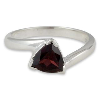 Handcrafted Sterling Silver 'Scintillating Jaipur' Garnet Ring (India)