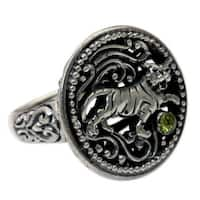 Handmade Sterling Silver 'Proud Tiger' Peridot Ring (Indonesia)