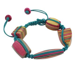 Handcrafted Elm Wood 'Colors of Life' Bracelet (India)