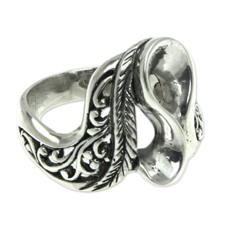 Handmade Sterling Silver 'Lady Wanderer' Ring (Indonesia)