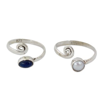 Handmade Set of 2 Sterling SIlver 'Perfection' Pearl Toe Rings (4 mm) (India)