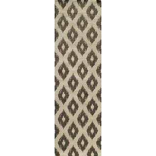 Softique Diamond Hand-tufted Area Rug (2'3 x 8')