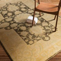 Hand-Knotted Breamish Floral New Zealand Wool Area Rug - 5'6 x 8'6'