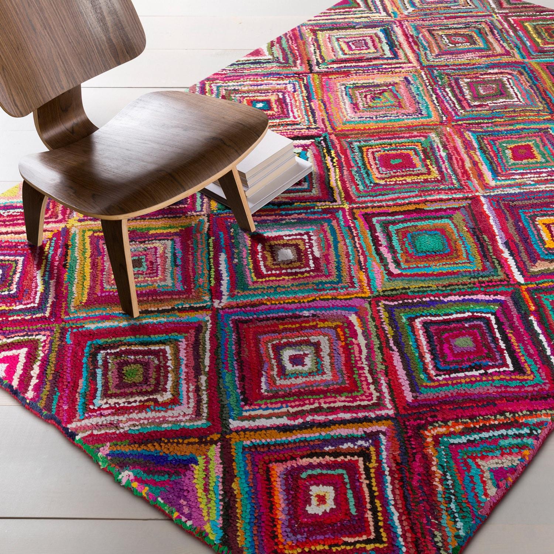 Hand-Hooked Jillian Geometric Pattern Indoor Area Rug (5'6 x 8'6)