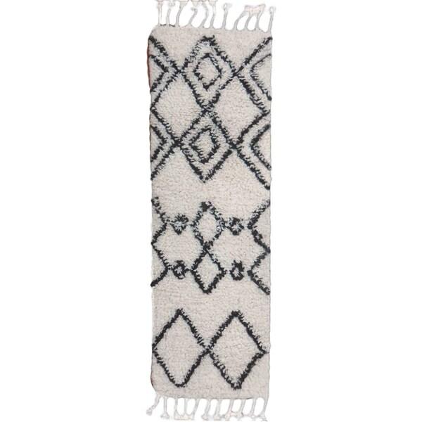 Hand-Woven Erika Geometric Wool Rug (2'6 x 8')