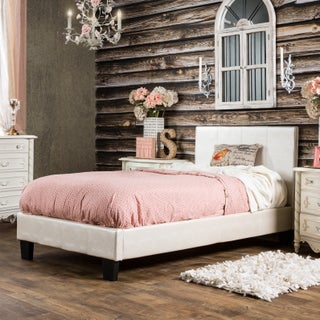 Furniture of America Huntress III Pearl White Crocodile Leatherette Platform Bed (3 options available)