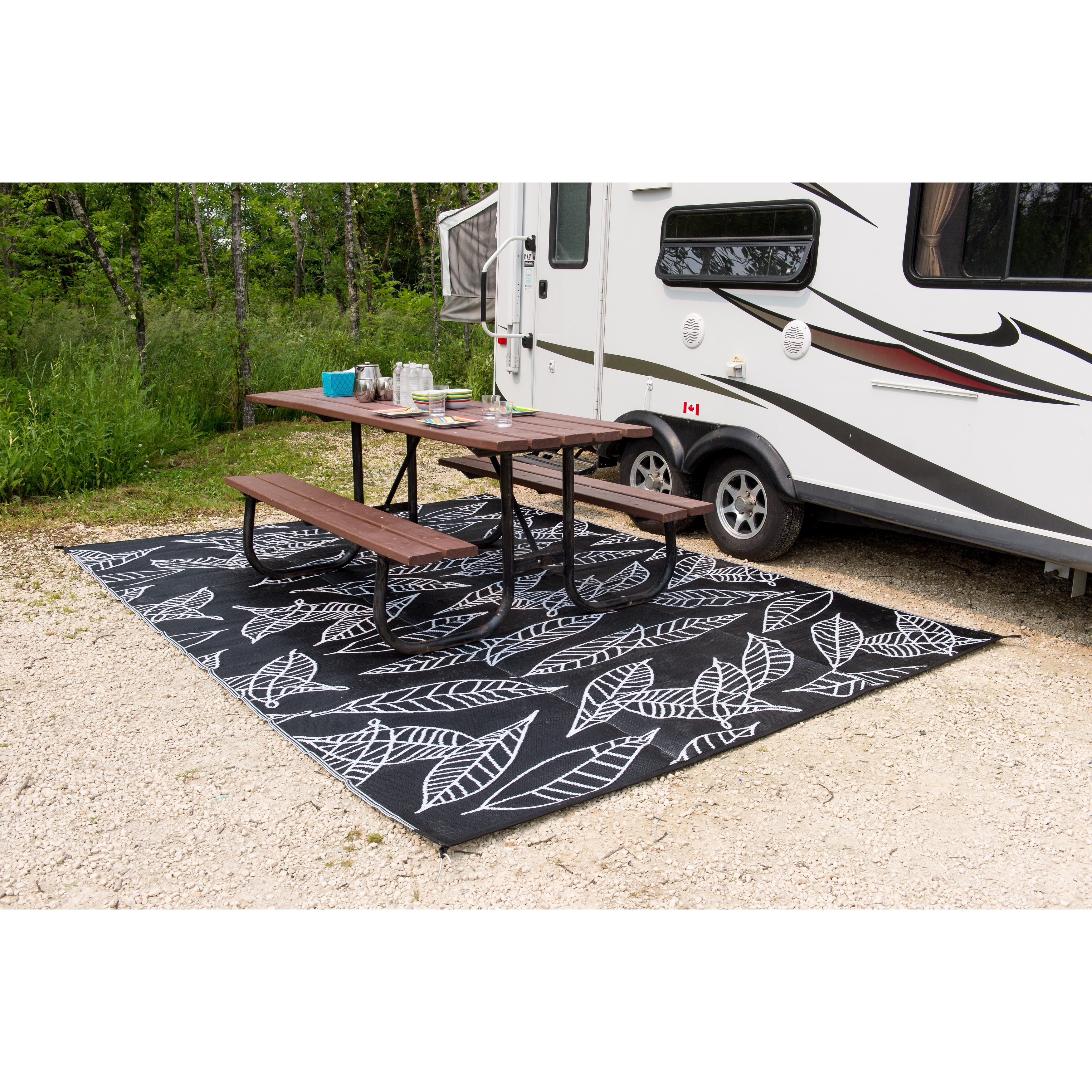 acd8dee939fd Shop b.b.begonia Outdoor/ RV/ Camping/Patio Mat-Arctic Black/ White  Reversible Area Rug - 8' x 20' - Free Shipping Today - Overstock - 9979711