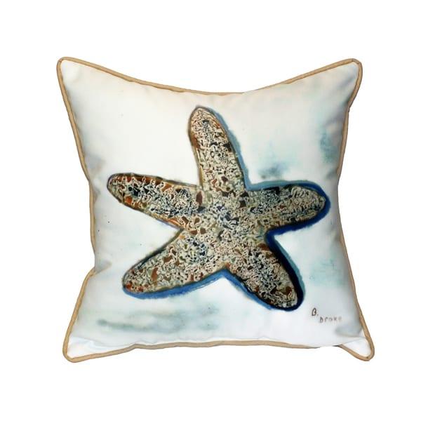 Betsy's Starfish 18-inch Indoor/Outdoor Pillow