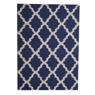 Handmade Wool Rug (India) - 5' x 7'