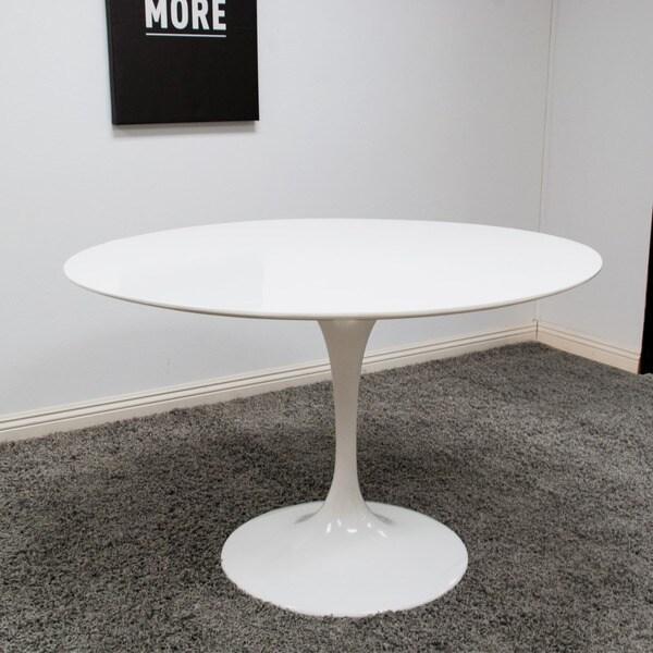 Attirant Lily 47 Inch Fiberglass Table