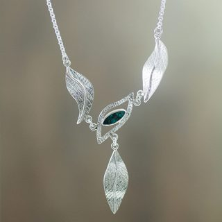 Handmade Sterling Silver 'Natural Muse' Chrysocolla Necklace (Peru)