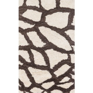 Hand-Tufted Zarah Giraffe Microfiber Shag Rug (2'3 x 3'9)