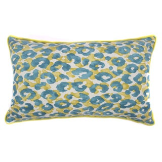 Jiti Outdoor Cheetah Teal 20-inch Long PIllow