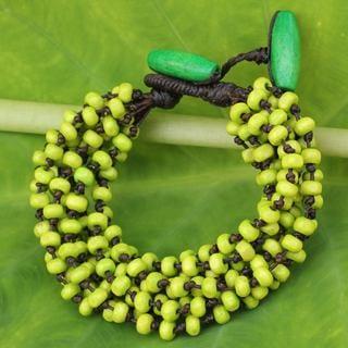 Handcrafted Littleleaf Boxwood 'Chartreuse' Bracelet (Thailand)