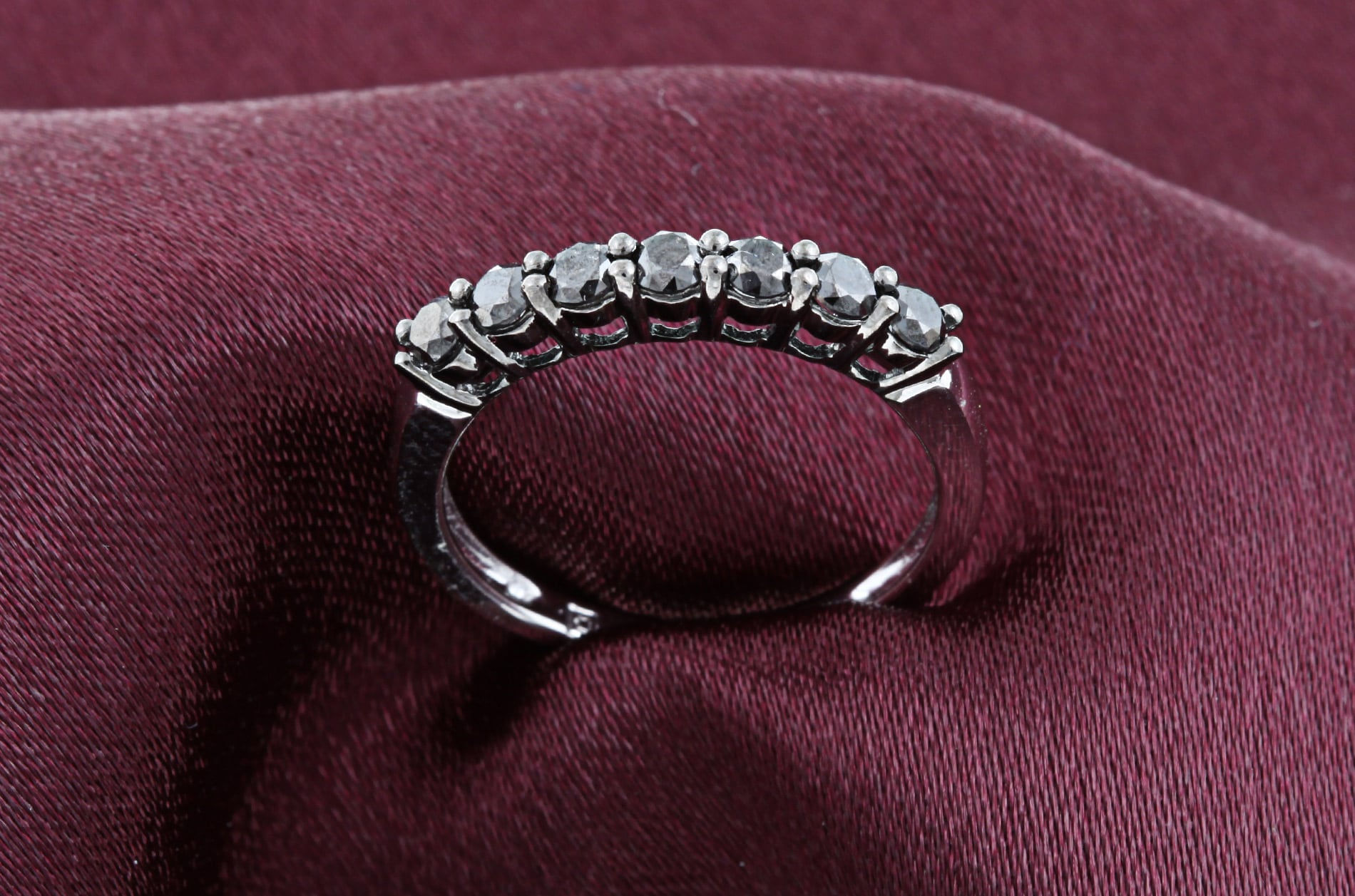 Miadora 10k White Gold 1/2ct TDW Black Diamond 7Stone Ring