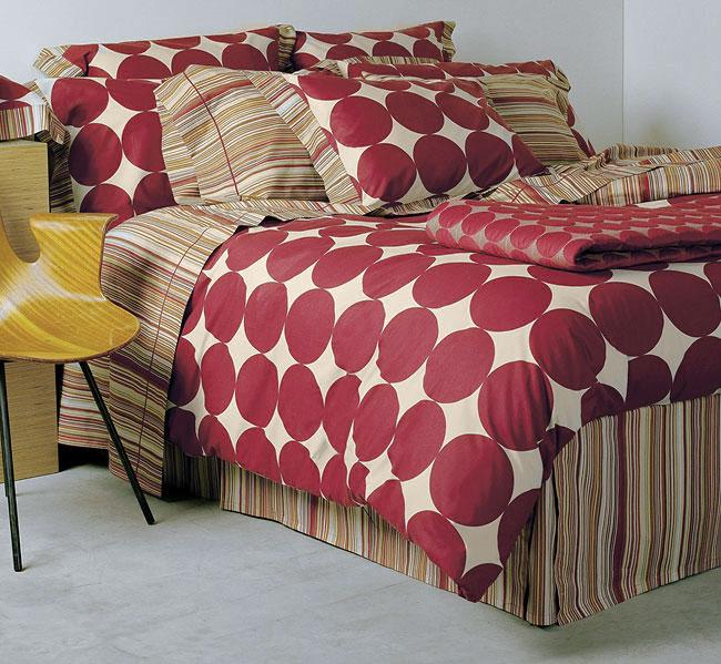 Signoria Di Firenze Notting Hill 300 Thread Count Egyptian Cotton Linens (King/Burgundy Flat Sheet)