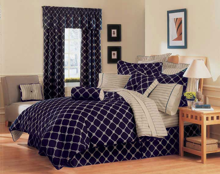 Fraternity Comforter Set (Twin or Full)