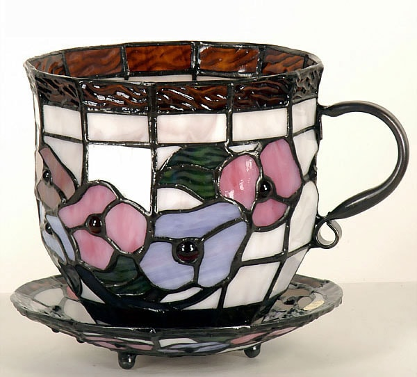 Tiffany-style English Teacup Accent Lamp