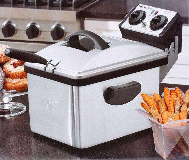 Waring Pro Deep Fryer with 3 Fryer Baskets