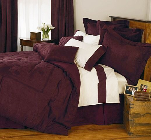 Village Embroidered Comforter Set (Twin)