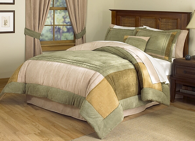 Chesterfield Luxury Bedding Ensemble with 230 Thread Count Sheet Set
