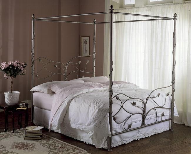 Secret Garden King-size Canopy Bed
