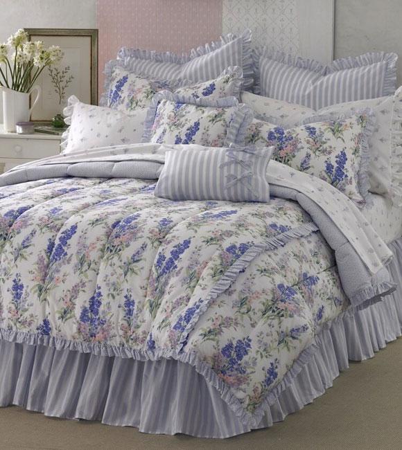 Laura Ashley Abbeville 4-piece Comforter Set