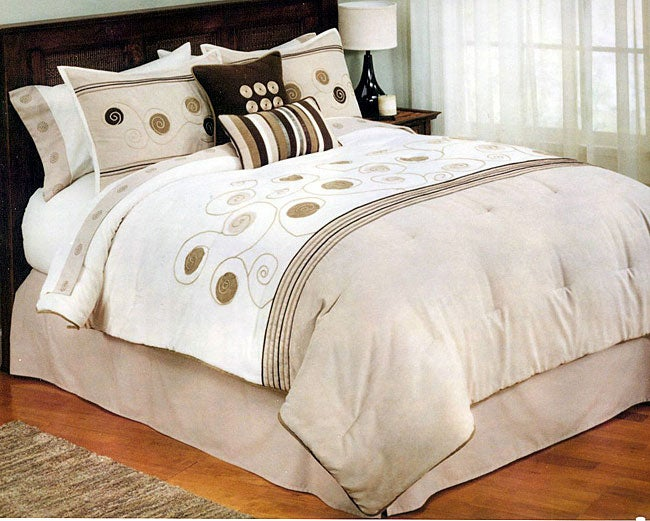 Amanda 8-piece Bedding Ensemble (King)