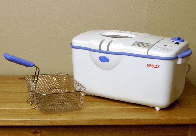 Nesco Deluxe 3-quart Deep Fryer - Free Shipping Today