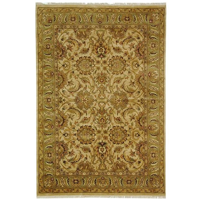 Safavieh Hand-knotted Beige/ Green Heritage Wool Rug - 6' x 9'