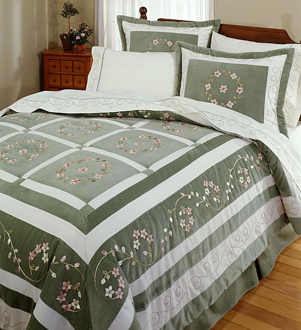 Canterbury Comforter Set